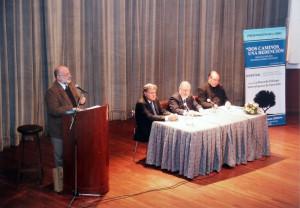 A. Yoel ben Arye en la presentación del libro Dos Caminos Una Redencion Rav Abraham Skorka, Padre David Felipe Specchiale, Prof. Ramón Ruiz Pesce
