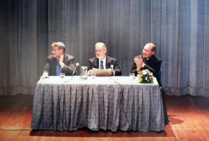 A. Yoel ben Arye en la presentación del libro Dos Caminos Una Redencion Rav Abraham Skorka, Padre David Felipe Specchiale